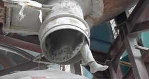 来宾一工人不慎掉入8米深矿灰罐不幸遇难(组图)