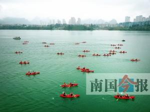 百里柳江皮划艇漂流大赛决赛:柳江河上百舸争流