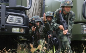 """高清组图:武警特战队员极限训练锻造""""反恐利刃"""""""