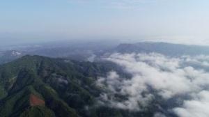 高清:秋雨过后 融安山区现秋日云海奇观