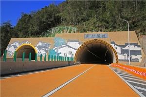 广西路建集团承建的梧州至柳州高速公路新村隧道