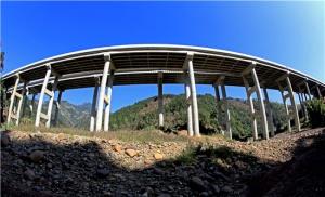 广西路建集团承建梧州至柳州高速公路古浪1#大桥