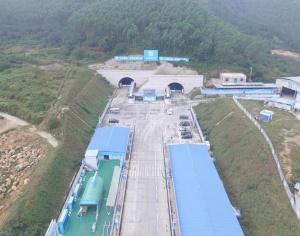 11月25日焦点图:大塘至浦北高速项目加紧建设