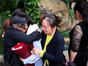 焦点:女孩4岁与家人走失 7公里回家路她走了28年