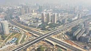 12月1日焦点图:南宁市清川立交大学路方向主线通车