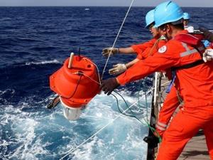 """""""沈括""""号在西太平洋展开海试与科考作业"""