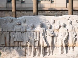 大美有型 广西大学校园雕塑群落成向公众开放(图)