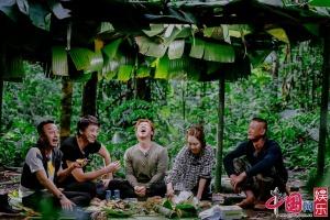 《野生厨房》姜妍热带雨林吓成表情包 厨娘生气罢工