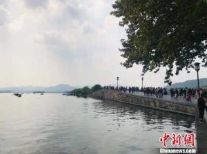 杭州上调特困人员基本生活标准 增幅达66.6%