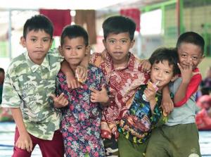探访印尼海啸灾民安置点