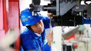 郑志明:匠心专注装备研制 20年成就国家级技能大师