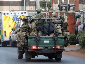 肯尼亚首都一商业综合体遭爆炸袭击致多人死伤