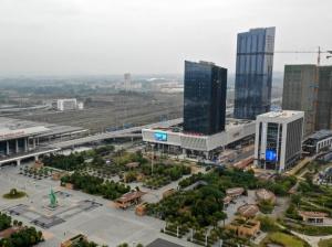焦点图:南宁凤岭客运站开门迎客 地铁1号线可直达