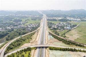 广西2018年交通固投942亿元 今年开建8条高速公路