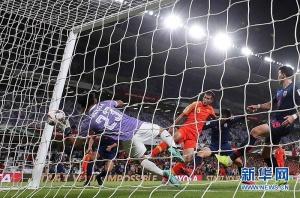 亚洲杯:里皮再现神奇换人 中国队4分钟逆转泰国