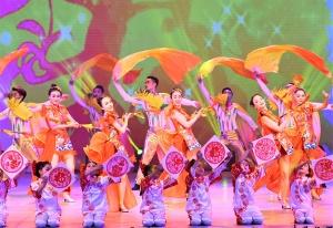 罗城举行2019年春节群众文艺联欢晚会迎新春(图)