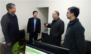 费志荣春节后上班第一天看望慰问科技厅机关干部职工