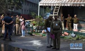 印度新德里一酒店起火致17人死亡