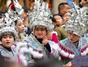 广西融水:欢庆百鸟衣节