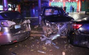宁明发生一起交通事故 消防紧急救出一名伤者(图)