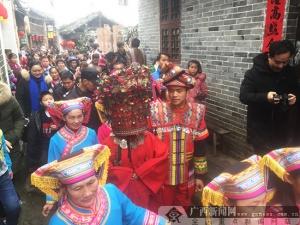 广西富川:千年古瑶寨多彩民俗闹元宵