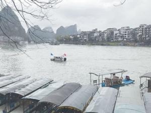 3月6日焦点图:受强降雨影响 漓江排筏全线封航