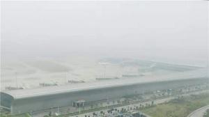 受大雾影响南宁机场多个进出港航班延误或备降外站