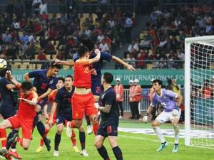 国足0-1负于泰国 连续3年未能晋级中国杯决赛(图)