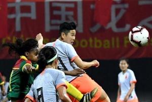 足球——女足四国赛:中国队夺冠