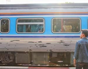 通讯:泰国青年阿努帕的火车司机梦