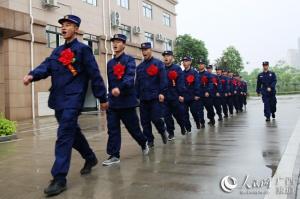 广西玉林:首批新招录消防员踏入新征程