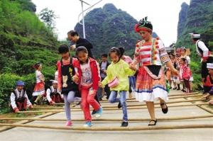 一起来嗨!马山县古寨瑶乡第七届金银花节本周开幕