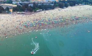 北海假期首日接待游客13.1萬人次 同比增長21.3%