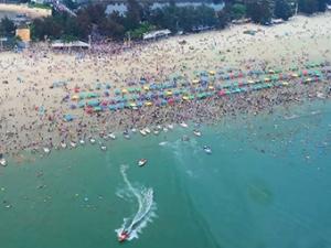 5月2日焦�c�D:北海假期首日接待游客13.1�f人次