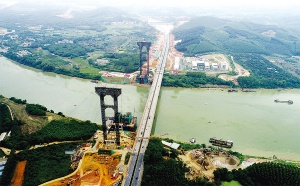 六律邕江特大桥计划明年建成通车 形成双向八车道