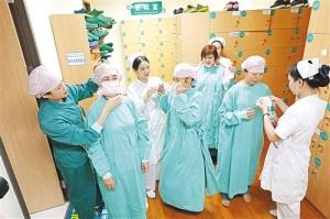 她们是白衣天使也是女儿 国际护士节妈妈有话说