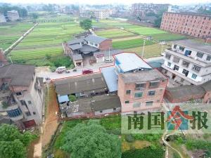 柳州一违章建筑内部如迷宫 近800平米建成39间房
