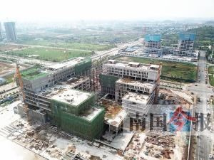 柳州市民服务中心主体完工 明年建成投入使用(图)