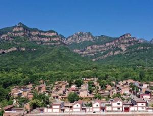 河南林州:庙荒不荒