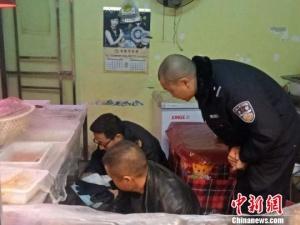 卤菜店老板在菜中掺入罂粟粉被警方查处