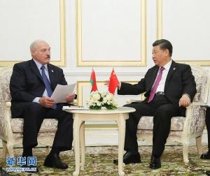 習近平會見白俄羅斯總統盧卡申科