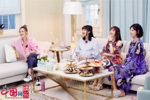 """姜潮麦迪娜视频秀甜蜜 马剑越爸爸婚宴""""警告""""女婿"""