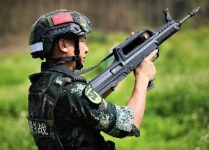弹无虚发!武警特战队员快反射击火力全开(组图)