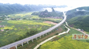 �F港至隆安高速公路正式�_通 有望�解六景段�矶�