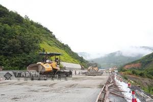 樂業:加強高速公路項目督查 加快樂百高速建設