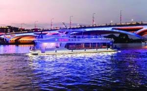 桂林漓江城市段首批三星级双层游船正式亮相