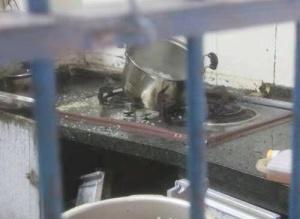 煮早餐引液化气爆炸 防城港一女子受伤被送医治疗