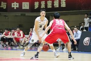 主场132-108胜北京雄鹿 广西威壮夺NBL常规赛冠军