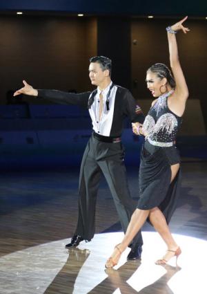 李华艳街舞折桂 ag电子游戏哪个最会爆收获首枚青运会体育舞蹈金牌