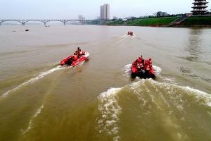 贵港举行内河水域灾害事故综合救援实战演练(图)